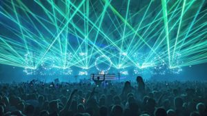 laser show en concierto de above and beyond